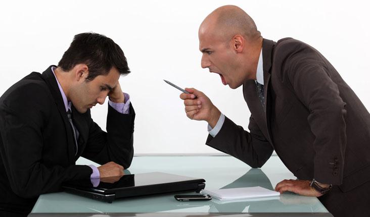Patronunuzun Bir Zorba Olduğunu Gösteren 6 İşaret1